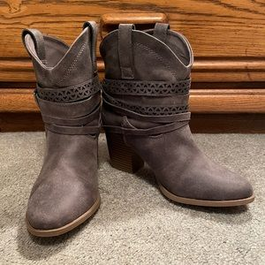 SO Ankle Boots, size 7